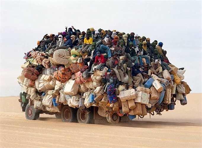 Một chiếc xe quá tải điển hình