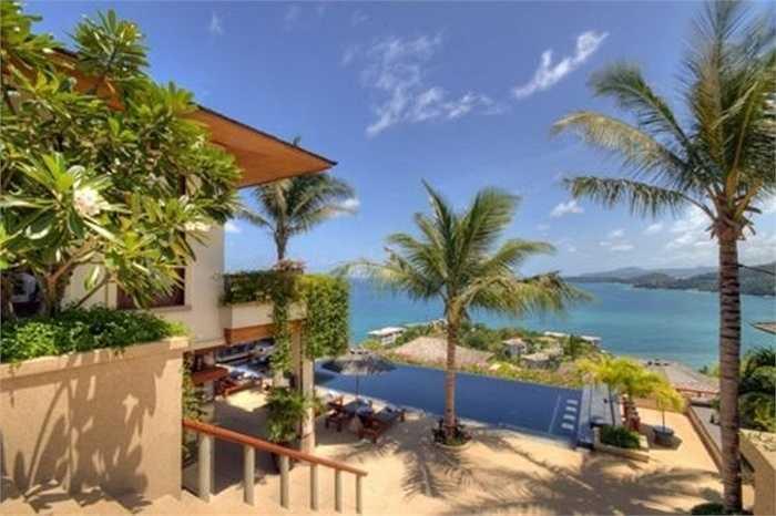 Khu biệt thự hạng sang ở Tây Phu Ket (Thái Lan) cho du khách sự sang trọng và không gian đẹp mê hồn. Ngoài khu nhà tiện nghi còn có bể bơi nhìn ra biển. Giá bán khoảng 9 triệu USD