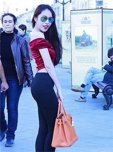 Khi mặc quần legging, vòng 3 của Thủy Tiên cũng không quá hoành tráng