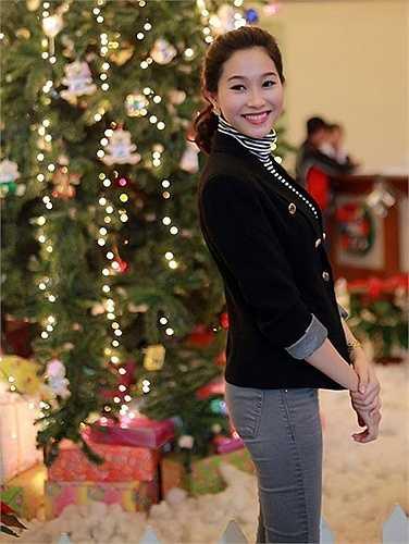 Hoa hậu Thu Thảo với thân hình mảnh dẻ
