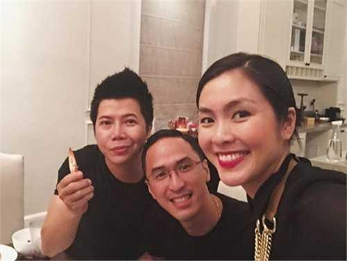 Những hình ảnh cùng chồng và bạn bè với gương mặt to dần lên của Hà Tăng