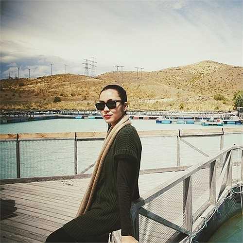 Ở những tháng cuối của thai kỳ, Hà Tăng dường như biến mất khỏi showbiz