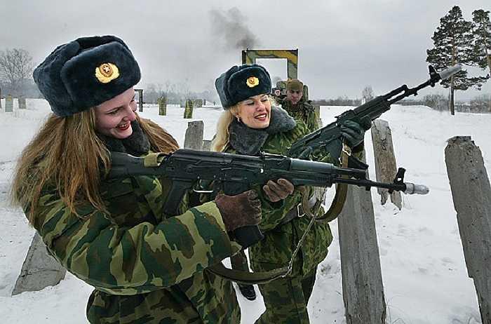 Họ đứng thứ hai trong danh sách những nữ quân nhân đẹp nhất thế giới