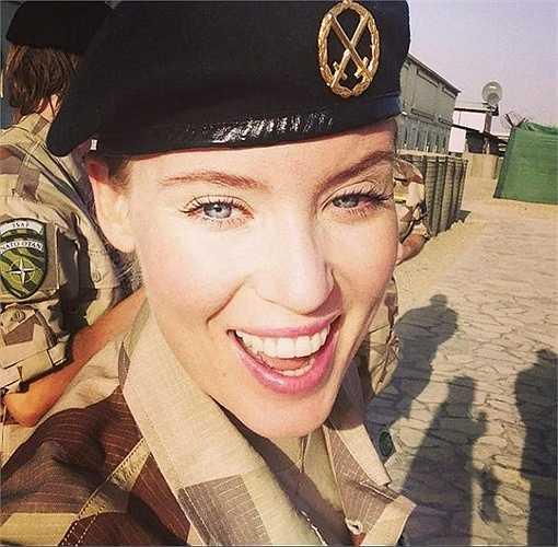 Ngày nay số lượng nữ quân nhân trong quân đội nước này đã chiếm 5%