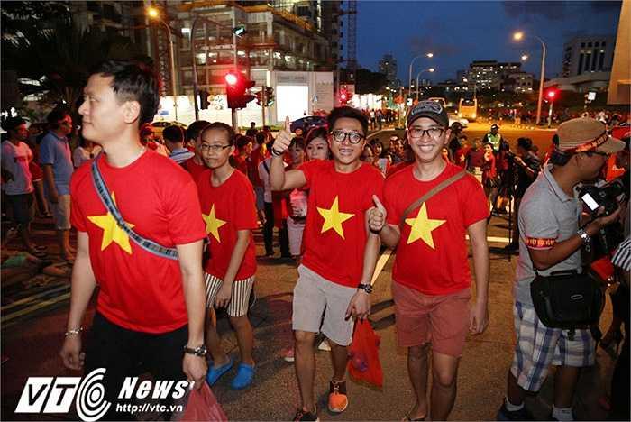 CĐV Việt Nam kỳ vọng sẽ phủ đỏ Bishan
