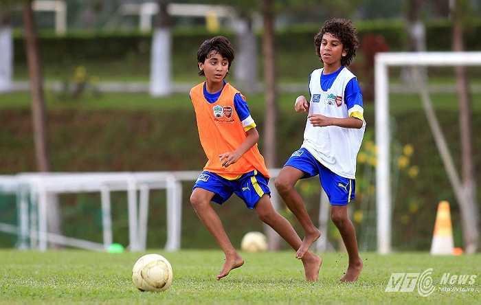 Điều làm các Học viên Ai Cập thích thú nhất đó là thời điểm này SEA Games 28 đang diễn ra, các em được xem trực tiếp khi có 2 đàn anh Khoá I của Học viện HAGL Arsenal–JMG thi đấu trong màu áo U23 Việt Nam.