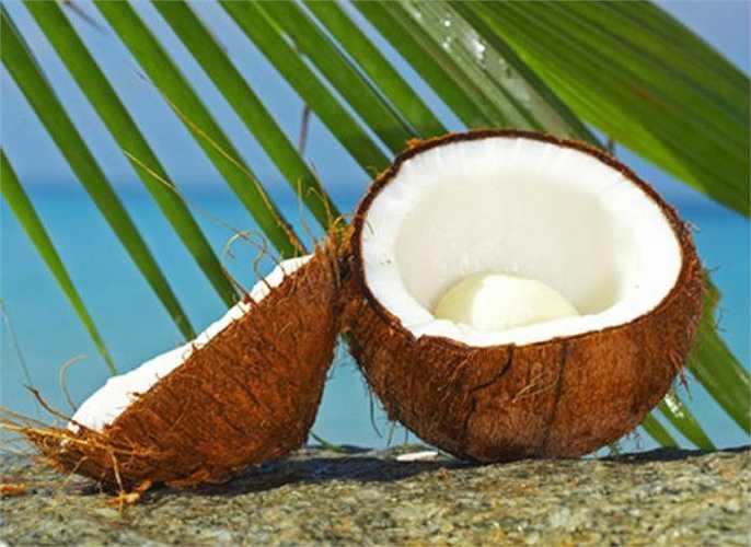Những người được bác sỹ Đông y chẩn đoán là có thể tạng dạng âm không nên uống nước dừa.