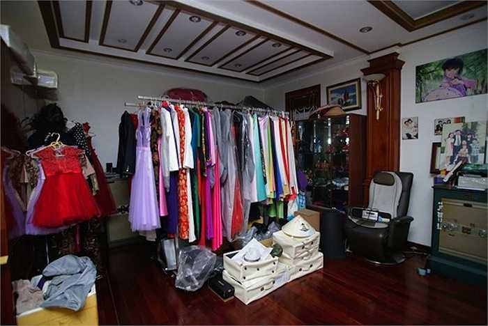 Dù gia đình có điều kiện, Trang Nhung chỉ mua quần áo phù hợp với con, không mua hàng hiệu.