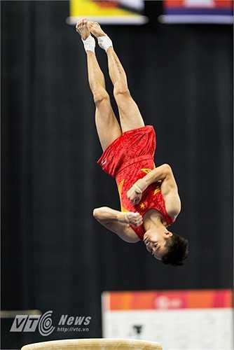 Trước đó, ở nội dung nhảy chống, VĐV Lê Thanh Tùng cũng xuất sắc giành HCV với 15.000 điểm. (Ảnh: Hải Thịnh)