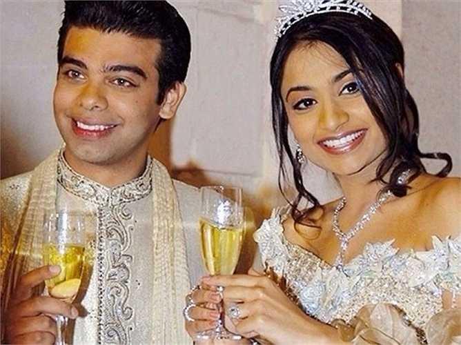 2. Vanisha Mittal và Amit Bhatia - 60 triệu USD. Hôn lễ được cử hành trong sáu ngày tại Cung điện Versailles. 1000 khách được mời tới thưởng thức tiệc cưới được chuẩn bị bởi các đầu bếp danh tiếng từ Ấn Độ và những màn biểu diễn ngọt ngào của ca sĩ Kylie Minogue.
