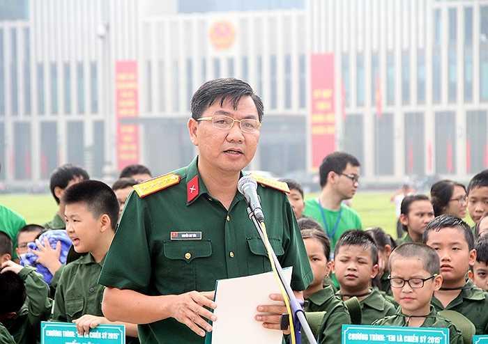 Ông Nguyễn Huy Tân – Phó Tổng Giám đốc Tổng Công ty Viễn thông Viettel cho biết chương trình 'Em là chiến sỹ' là một trong chuỗi hoạt động chăm sóc khách hàng thân thiết theo tư tưởng hướng đến người thân của Viettel