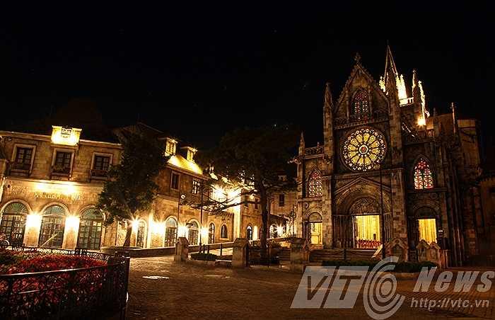 Đi tìm ký ức của khu nghỉ dưỡng một thời hoàng kim, Bà Nà xưa nay đã khác, một Bà Nà đậm chất Pháp với Nhà thờ St. Denis.