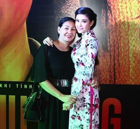 Mẹ Quỳnh Anh ngăn cấm cô đến với Tim vì anh là nghệ sỹ, nhiều ồn ào.