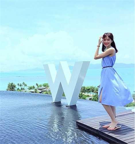 Đặc biệt, Hoa hậu Việt Nam 2012 có phong cách đời thường rất ngọt ngào thu hút.