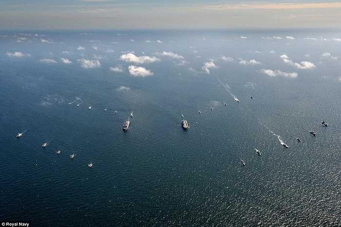 Chiến hạm 17 quốc gia dàn hàng trên biển Baltic