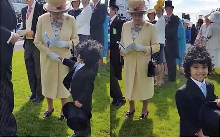 Theo Dailymail, sau khi làm cả thế giới ngạc nhiên với hành động bỏ mũ và bắt tay nữ hoàng Anh Elizabeth II trong một sự kiện mới đây, cậu bé Mohammed bin Ahmed Jaber Al Harbi, con trai bạn thân hoàng tử Dubai - Hamdan - lại khiến dư luận choáng ngợp thêm lần nữa, bởi cuộc sống vương giả.