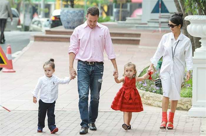 Bống Hồng Nhung đang sở hữu cuộc sống hạnh phúc viên mãn bên ông xã ngoại quốc, hai nhóc tì lai xinh xắn và gia sản giàu có.