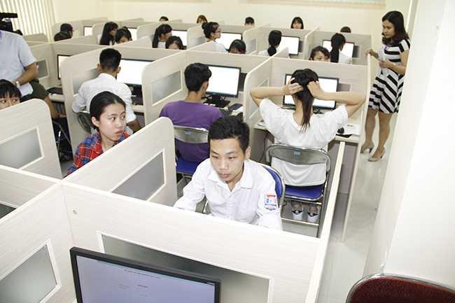 Thí sinh dự thi vào kỳ thi đánh giá năng lực vào Đại học Quốc gia Hà Nội đợt 1