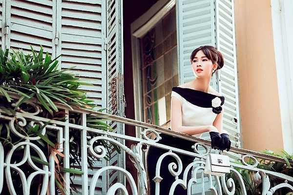 Đặng Thu Thảo là nàng thơ của Lê Thanh Hoà sau khi cả hai có cơ hội bén duyên từ năm 2012. Cô không chỉ đảm nhận vai trò mẫu ảnh thường xuyên cho nhà thiết kế mà còn từng xuất hiện trên sàn diễn cùng với anh trong dịp cuối năm 2014.