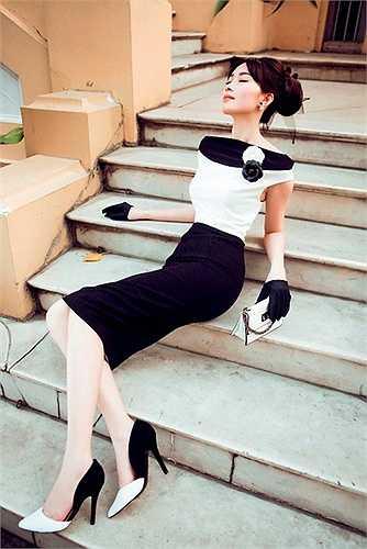 Thiết kế của Lê Thanh Hoà cũng giúp Thu Thảo nâng cấp hình ảnh sang trọng và quyến rũ hơn.