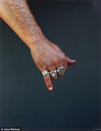 Bàn tay của thành viên Mongrel Mob
