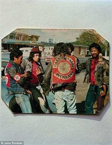 Một bức hình lưu niệm cũ kỹ của băng Mongrel Mob