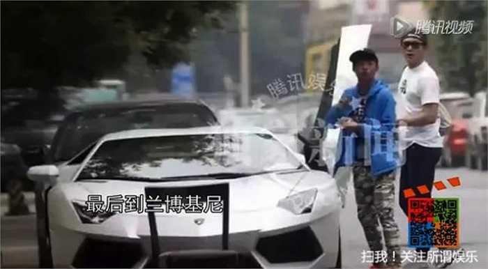 Tháng 11/2014, Lý Thần lại 'rinh' về một chiếcLamborghini Aston Martin thời thượng giá 6 triệu NDT (21 tỉ đồng).