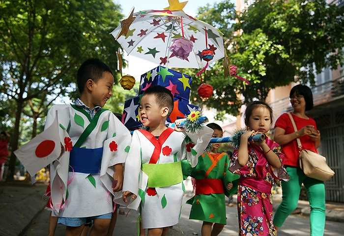 Đây là một trong chuỗi sự kiện của 'Trại hè mầm non - Châu Á trong mắt em' diễn ra từ 1/6 - 12/6 tại Trường Mầm non Thần Đồng Văn Quán (Hà Đông, Hà Nội).