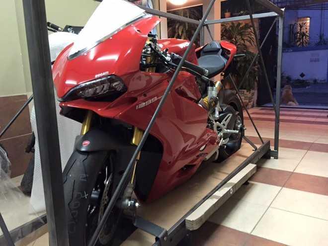 Siêu môtô Ducati 1299 Panigale S đầu tiên về Việt Nam giá 1 tỷ