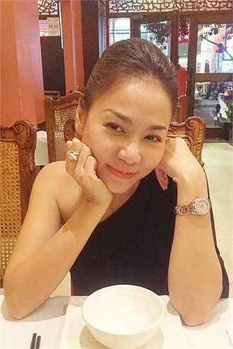 Nhẫn kim cương và đồng hồ thuộc 'hàng khủng'.