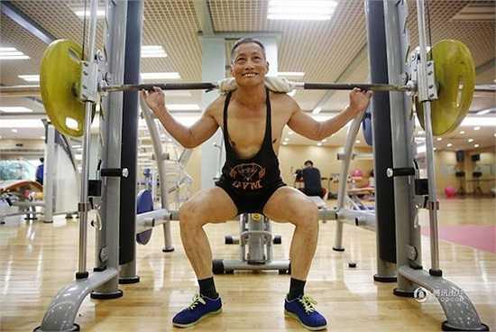 Ông Ying chăm chỉ ở phòng Gym