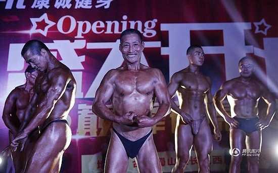 Ông Ying cũng thường tham gia các cuộc thi cơ bắp ở địa phương