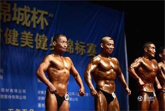 Nhiều phòng gym sử dụng hình ảnh của ông như động lực dành cho thanh niên