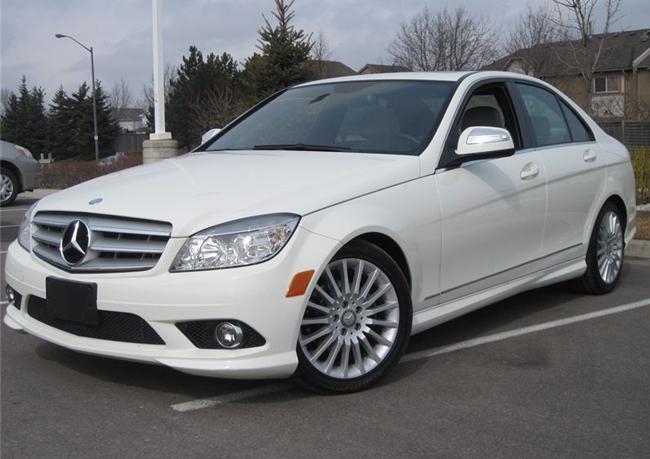 750 trieu dong chon mazda 3 2015 moi hay mercedes benz c230 2009 0 So sánh Mazda3 2015 và Mercedes Benz C230 2009: Ai hơn ai?