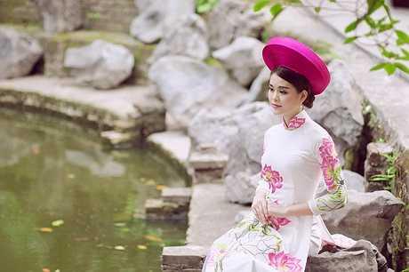 Linh hiện đang là sinh viên năm thứ 4 Học viện Ngoại giao.
