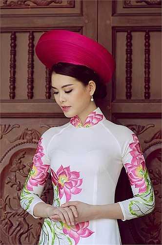 Sở thích của Linh là nghệ thuật và thời trang.