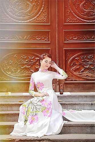 Khánh Linh muốn dành nhiều thời gian và lao động thực sự nghiêm túc trong lĩnh vực nghệ thuật.