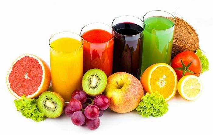 Đau đầu: Những người thường xuyên mắc bệnh đau đầu có thể làm giảm tình trạng này nhờ uống nước ép cà rốt, dưa chuột, cà chua, bắp cải và táo với vài lát gừng.