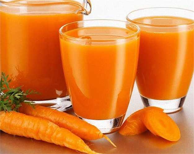 Kiểm soát các triệu chứng của thời kỳ mãn kinh: Nước ép cà rốt, rau diếp và củ cải đường rất hiệu quả trong việc làm giảm triệu chứng các bệnh mãn kinh và là thần dược đối với phụ nữ có tuổi.