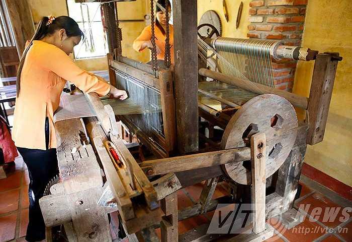 Những khung cửi xưa cũ được sử dụng cho đến ngày nay
