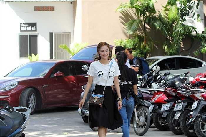 Trong thời gian này, Minh Hằng khá đắt show giám khảo truyền hình, nhưng ở mỗi chương trình cô đều mang một màu sắc khác nhau.