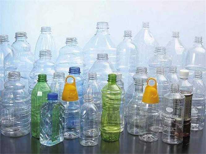 Tạp chí Endocrinology, Mỹ đã từng cảnh báo về mối nguy cơ bisphenol trong chai nhựa. Chất hóa học này trong các chai lọ nhựa có nguy cơ làm tăng ung thư tuyến tiền liệt.