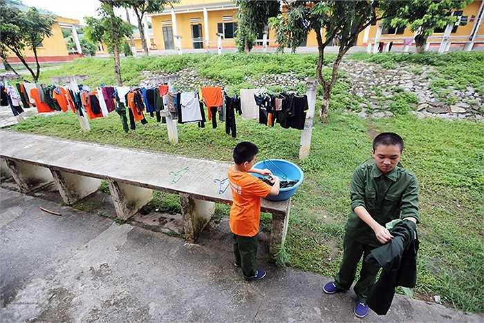 Tự ý thức giặt quần áo bằng tay