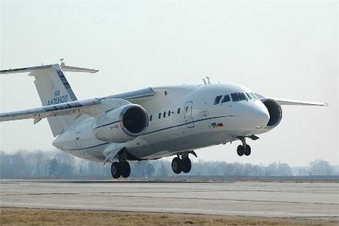 Mẫu thử nghiệm An-148 cất cánh lần đầu tháng 12/2004 và cấp chứng nhận hoàn thành thử nghiệm tháng 12/2006. An-148 thực hiện chuyến bay thương mại quốc tế đầu tiên từ Odessa đi Moscow vào ngày 13/12/2009.