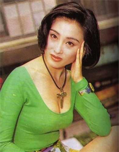Trương Mẫn đã đóng tổng cộng hơn 70 bộ phim trong sự nghiệp diễn xuất của mình.