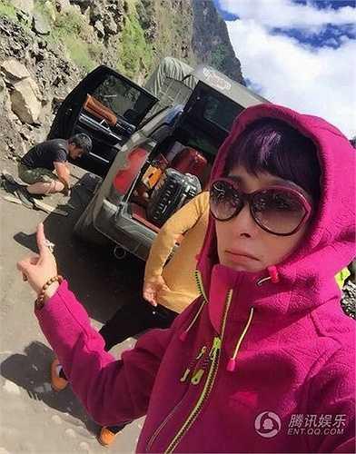 Trước đó vào năm 2013, Trương Mẫn từng tiết lộ với báo giới rằng cô muốn kết hôn và sinh con trước khi qua tuổi 44.