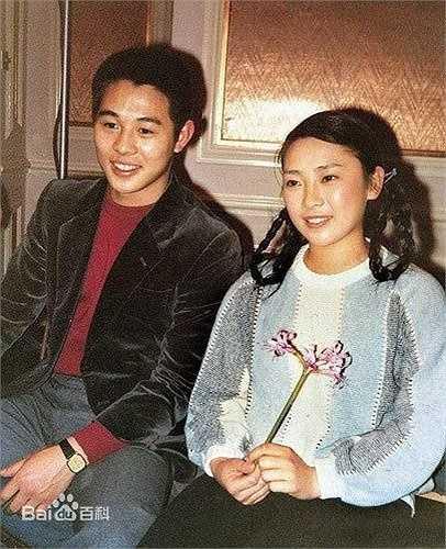 Dù hiện đã 54 tuổi nhưng Hoàng Thu Yến vẫn khiến nhiều người hâm mộ ngỡ ngàng về nhan sắc mặn mà, trẻ hơn so với tuổi của bà.