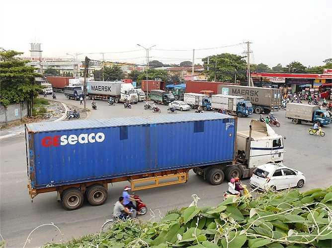 Các vụ tai nạn giao thông hiện nay hầu như liên quan nhiều đến xe đầu kéo container.