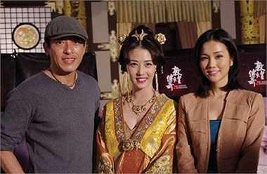 Sau thành công của Tiếu ngạo giang hồ, những tưởng sự nghiệp của Lữ Tụng Hiền sẽ nở rộ. Chỉ tiếc, anh không tạo được dấu ấn nào đáng kể trên màn ảnh. Thậm chí, anh chỉ được giao các vai phụ tuyến hai của đài TVB. (Trong ảnh là Lữ Tụng Hiền chụp cùng Châu Hải My gần đây).
