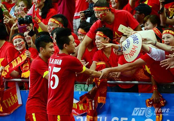 U23 Việt Nam dù không hoàn thành chỉ tiêu vào chung kết song vẫn để lại nhiều kỷ niệm đẹp cho người hâm mộ.(Ảnh: Hà Thành)